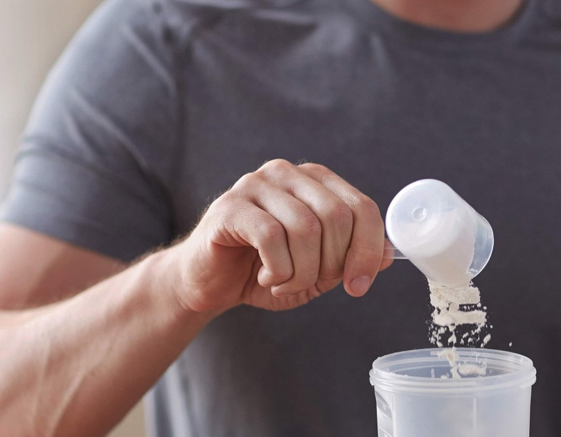 website ingredients protein man making protean shake min