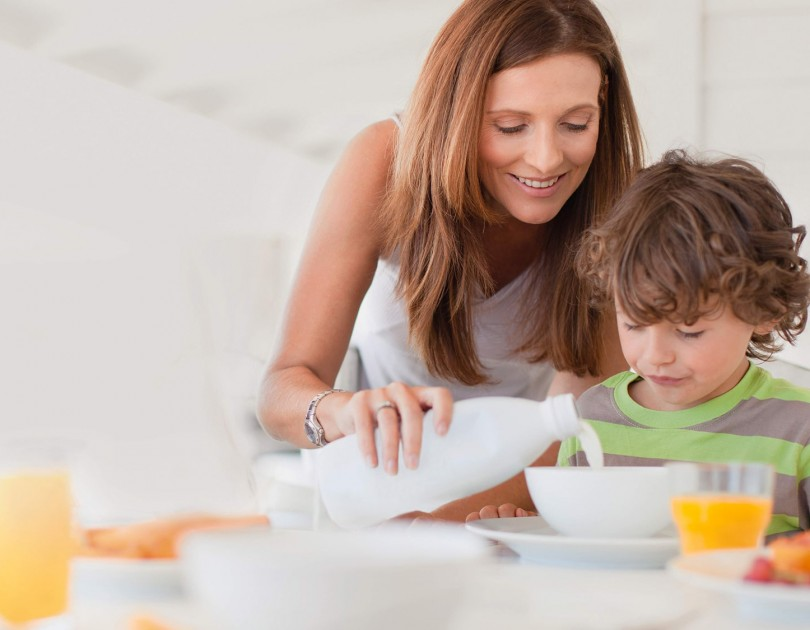 website ingredients milkpowder mother and son having breakfast min